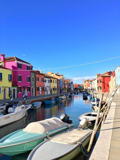 burano island colors