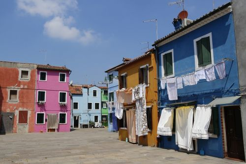 burano,italy,houses,venice,colorful houses,colorful house,windows,colors,colored,blue house,postcards,colorful,multicolor,street
