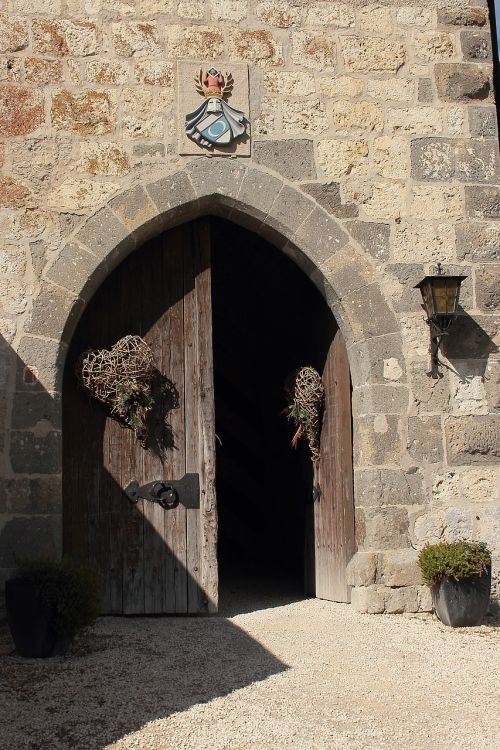 burg katzenstein castle gate input