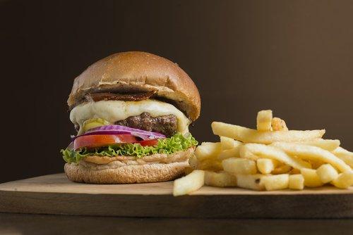 burger  snack  crisp