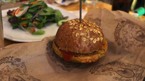 burger veggie salad