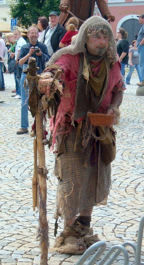 burghausen beggars tramp