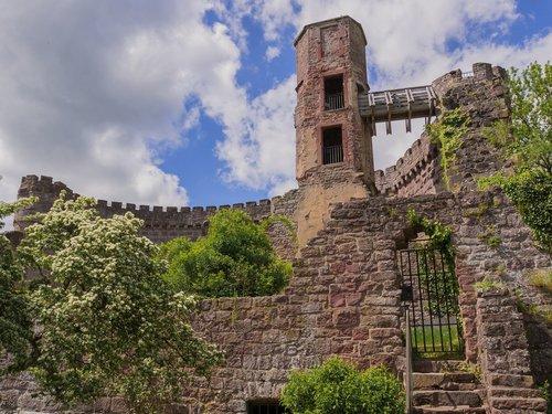 burgruine  ruin  fortress