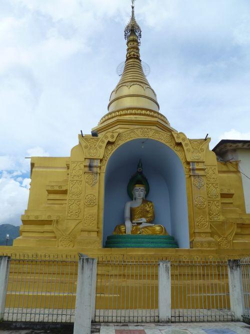 burmese buddha temple