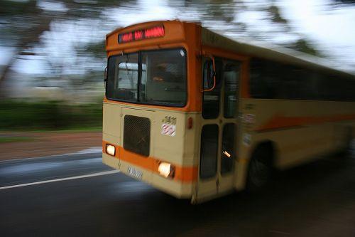 autobusas,kelionė,greitis,judėjimas,gabenimas,transportas,kelias,transporto priemonė,kelionė,eismas,kelionė,keliauti