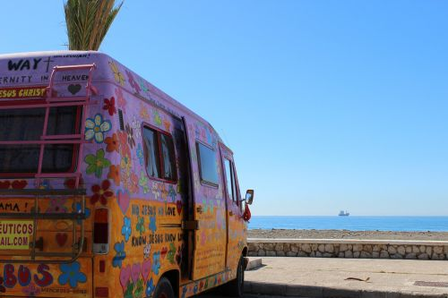 bus hippie beach