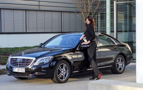 businesswoman mercedes black