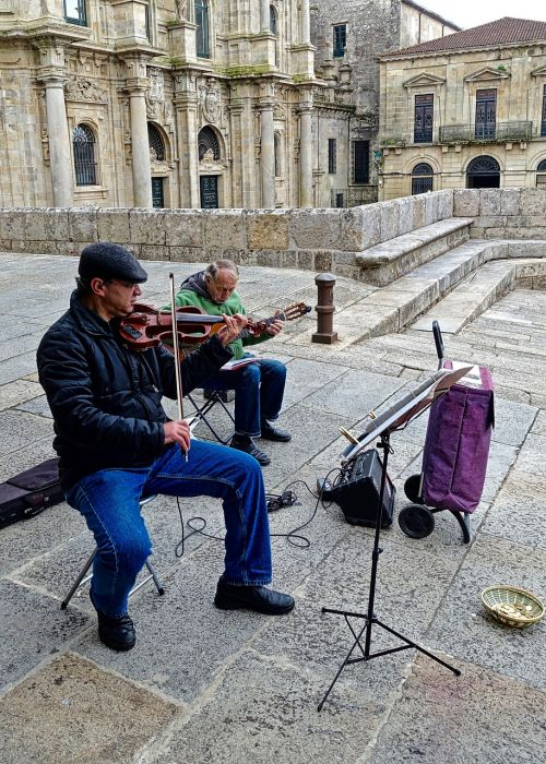 busker violin musician