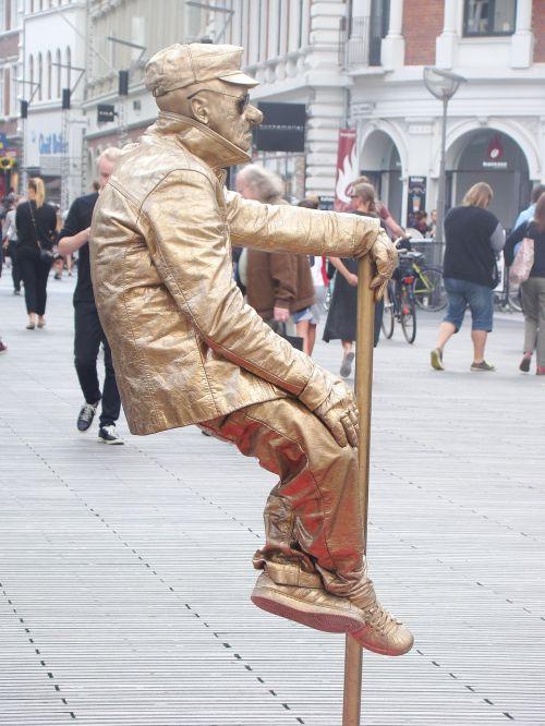 busker busking street performer