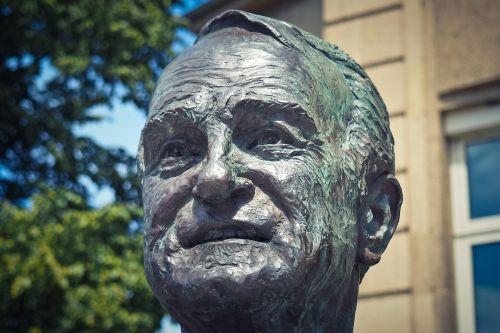 bust statue sculpture