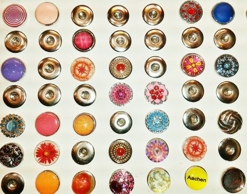 button badges jewellery