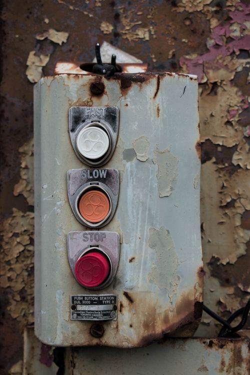 buttons rust warehouse
