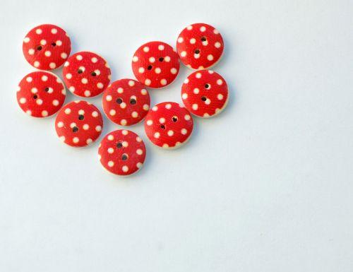 buttons heart needlework