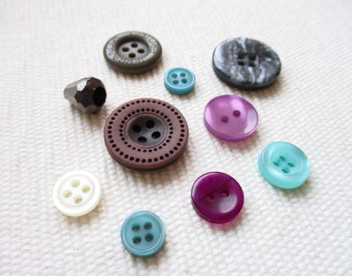 buttons needlework design