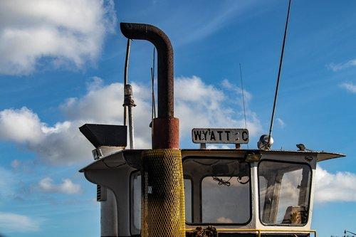 cabin  smokestack  tugboat