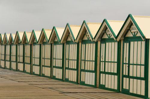 cabins beach alignment