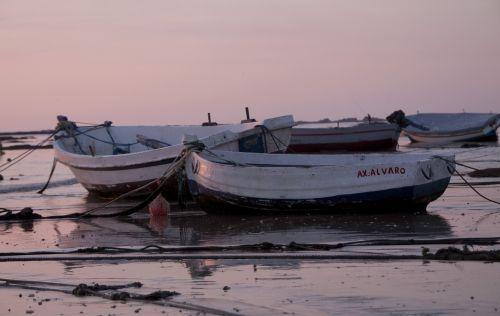 cadiz boats beach