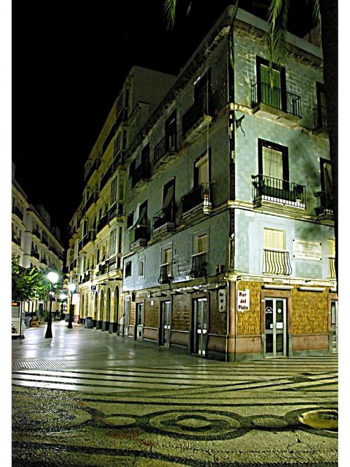 cadiz night plaza
