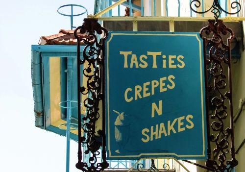 cafe crepes sign