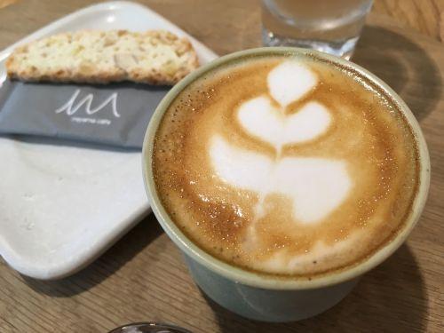 cafe pattern brown