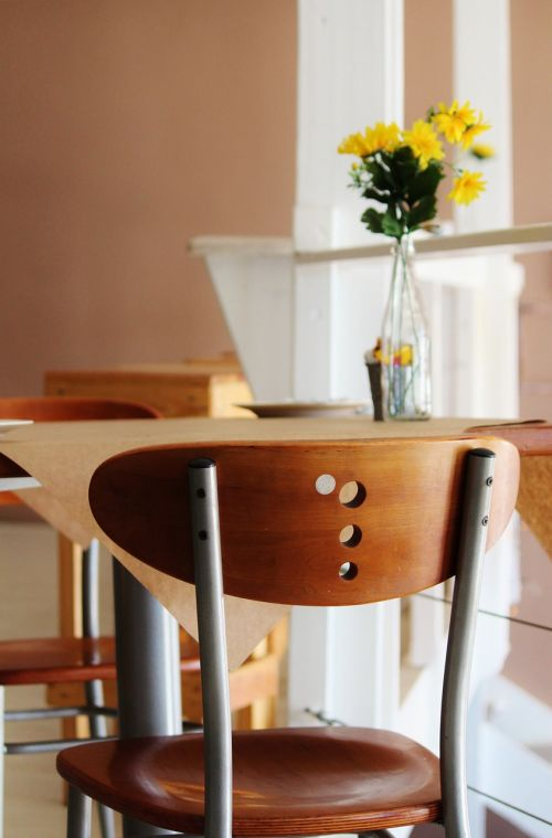 cafe chair table