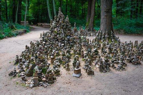 cairn  art  forest