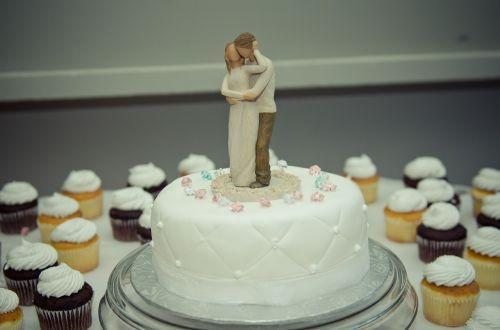 cake wedding topper