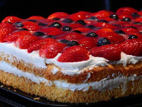 cake eat dine