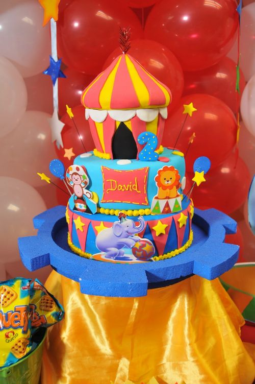 cake balloons party