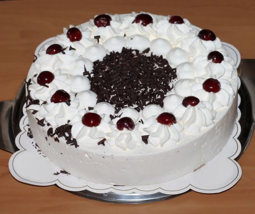 cake piece of pie black forest