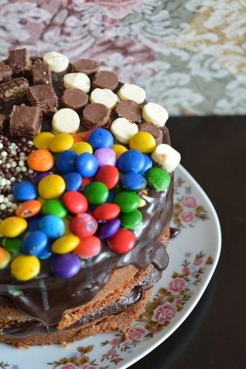 cake confetti chocolate