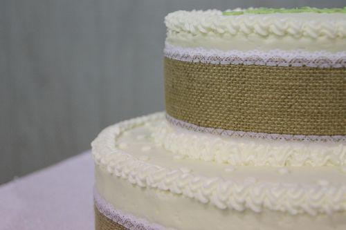 cake wedding cake burlap