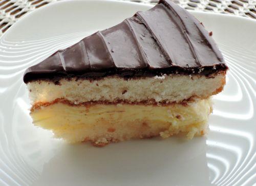 cake slice egg custard