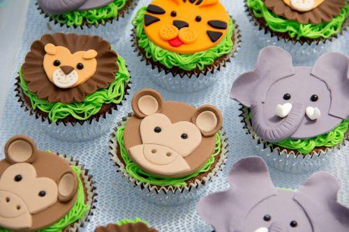 cakes cupcake animals