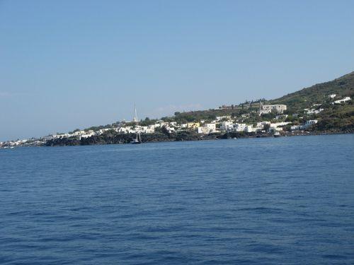 calabria stromboli island