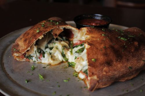 calazone spinach pizza