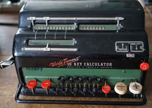 calculating machine old calculator