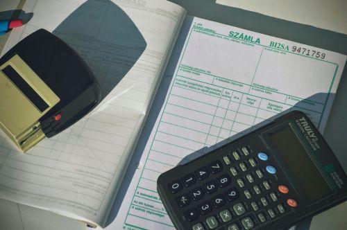 skaičiuotuvas,sąskaita faktūra,finansai,verslas,dokumentas,kvitas,biuras,buhalteris,mokestis,darbo,sąskaitą,finansinis,apskaita,dokumentų tvarkymas,antspaudas