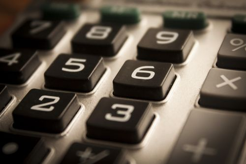 calculator figures accounting