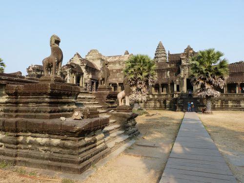 cambodia angkor temple complex