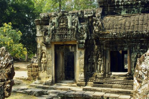 cambodia angkor bankaey srei