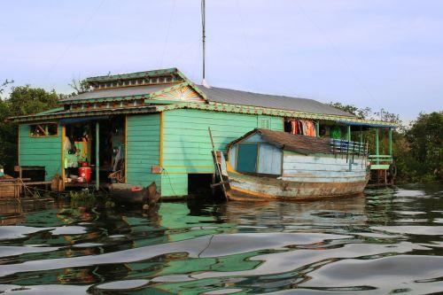 cambodia floating house
