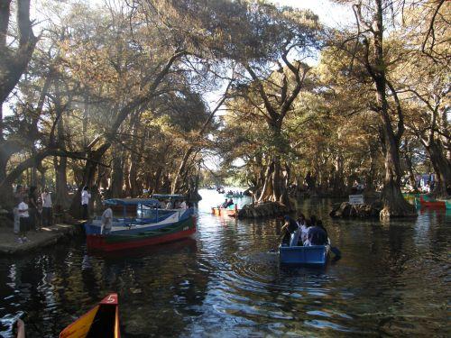 Camecuaro Rental Boats