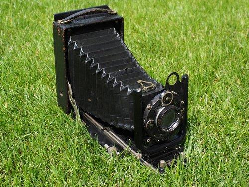 camera  old  compur