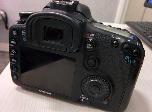 fotoaparatas,skaitmeninė kamera,kūnas,atgal,rodyti,kanonas,dslr,canon eos 7d,skaitmeninis,canon eos,eos 7d,7d,objektyvas,fotografavimas