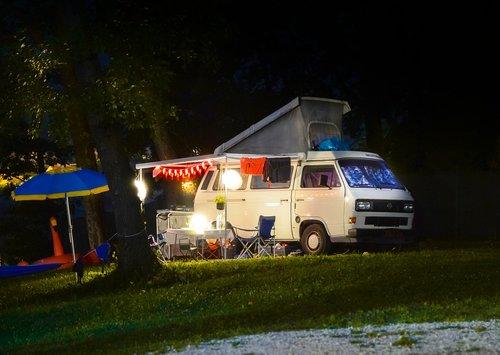 camp  camping  camper