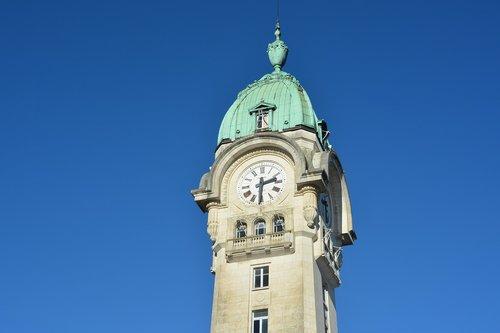 campanile  clock  station