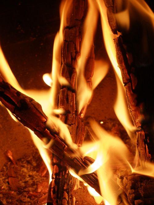 campfire fire burn