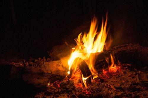 campfire lighting fire