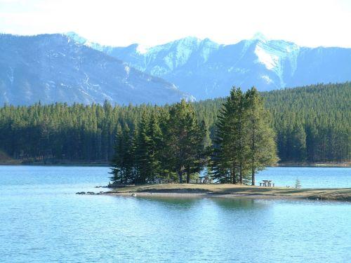 canada rockies lake